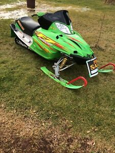 2003 Arctic cat F7 sno pro package