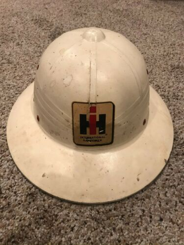 International Harvester IH Vintage Helmet - white