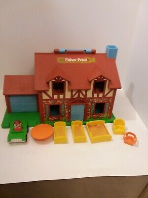 Vintage Fisher Price Little People Tudor House Garage 952 With some Accessories