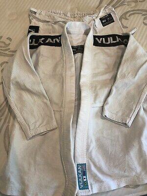 Vulkan Kids Ultra Light Jiu Jitsu White Gi PRO Youth M3  EUC Competition BJJ