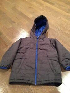 Children's Place boys jacket (4T)