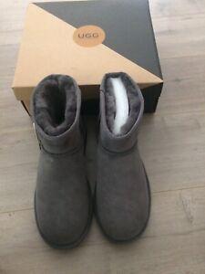 Ugg boots genuine Australian sheepskin mens size 10/ladies 12 NEW Belrose Warringah Area Preview