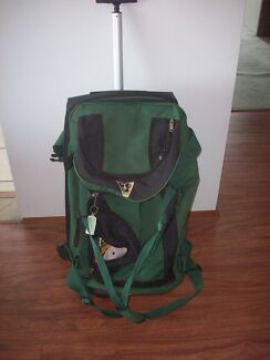 Henselite 8 Bowl Lawn Bowls Travel Bag in Good Used Condition