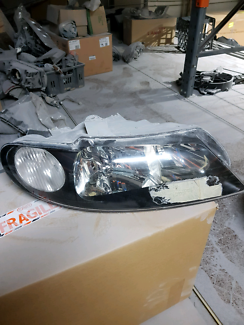 Commodore clubsport hsv vx headlight Carlton Kogarah Area Preview