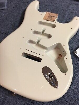 Fender stratocaster body by Warmoth Olympic white