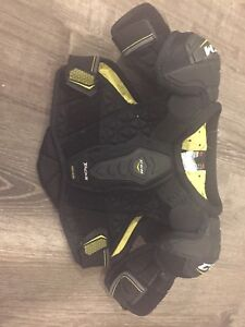 CCM tacks 6052 chest protector - Jr Small