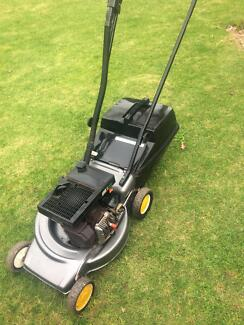 Victa lawn mower excellent condition 4hp 2 stroke good blades