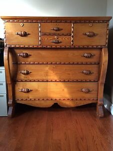 Beautiful Antique Chest of Drawers Kitchener / Waterloo Kitchener Area image 1