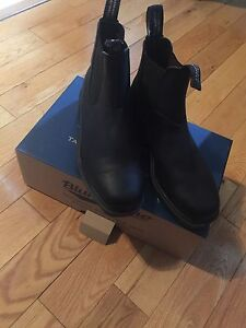 Brand New Blundstone real leather boots