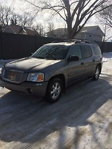 2005 Envoy Xl 4WD . Runs and drives amazing