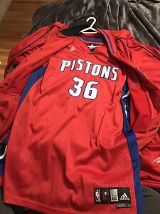Pistons jersey and warm up jacket 4xl 2Xlength