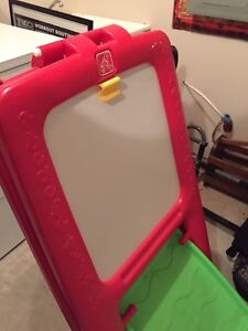 Little tikes step 2 chalkboard painting easel