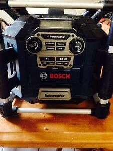 Bosch work radio/battery charger