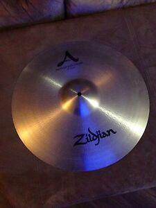 "Zildjian 18"" Medium Thin Crash cymbal"