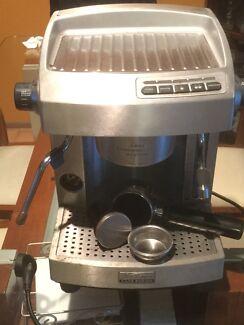 Sunbeam espresso machine em6910 coffee machines gumtree sunbeam cafe series espresso coffee machine em 6910 fandeluxe Images
