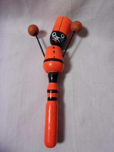 Early Vintage Rare Halloween Cat Noise Maker Wood Clacker Horn   T*