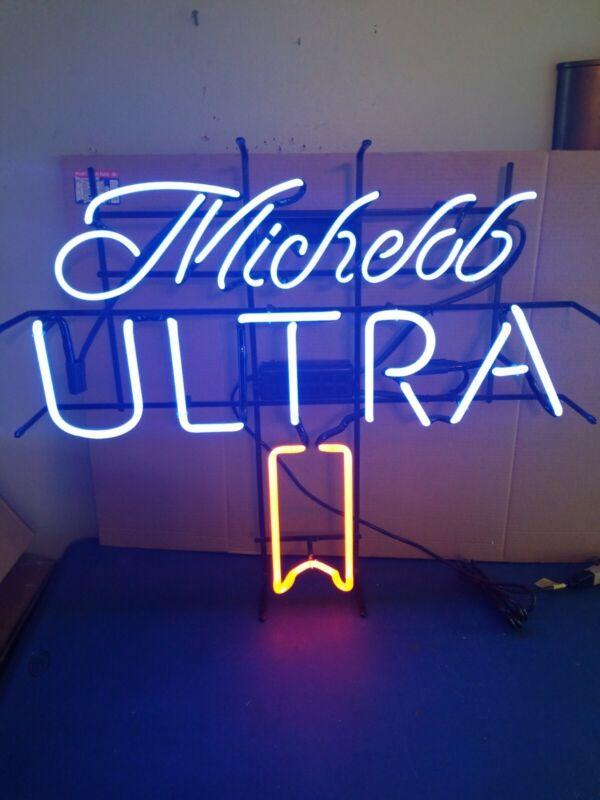 Michelob ultra neer neon light up sign Anheuser-Busch bud game room bar