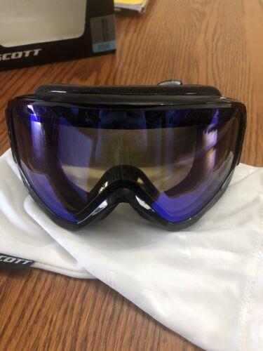 SCOTT CAPRI Ski Goggles Color: Black/Noir Lens: Illuminator