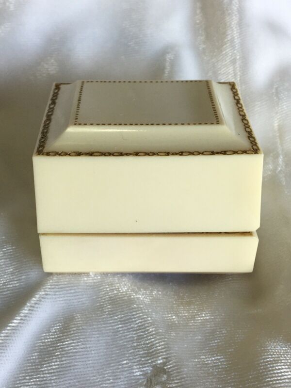 Vintage Art Deco Mautner Co. Ivory color Celluloid Ring Presentation Box Plastic