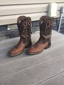 Ariat Barstow cowboy boots
