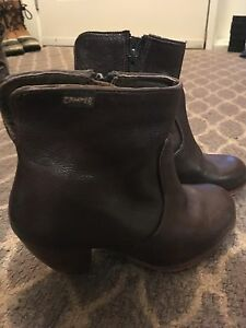 Size 36 Camper leather short boots.