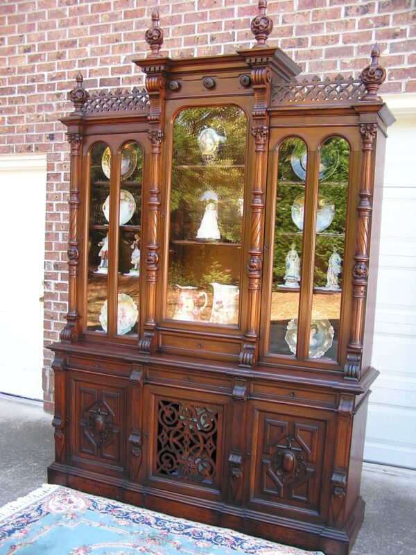 EXTRAORDINARY VICTORIAN WALNUT BREAKFRONT BOOKCASE