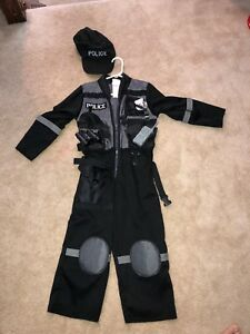 Costume - police officer. Size 5-6