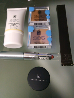 Makeup products np set brand new