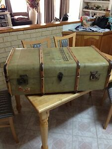 LARGE OLD CABIN TRAVEL TRUNK Warnbro Rockingham Area Preview