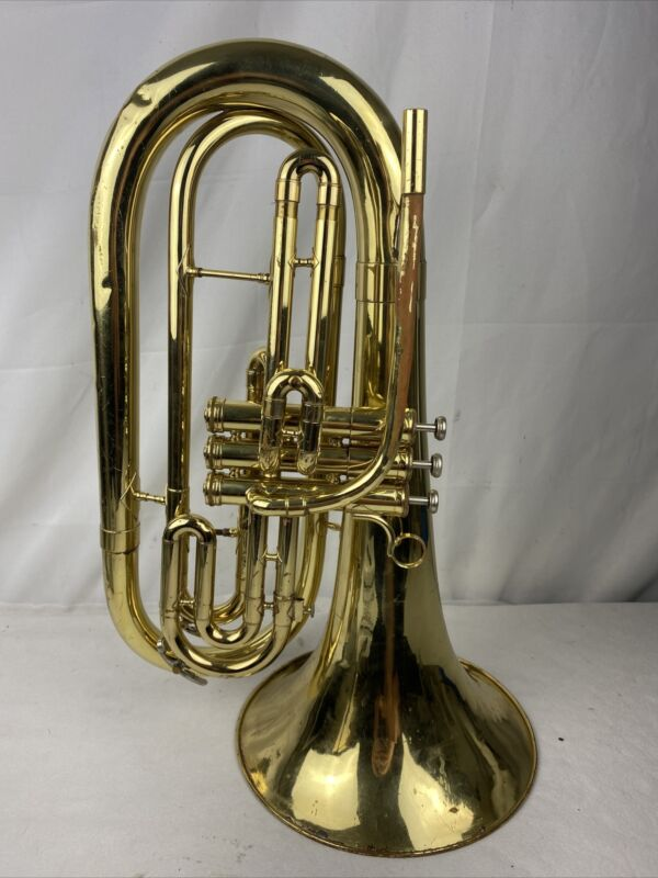 King 1124 Marching Baritone horn With Case  Used