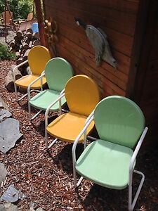 4 Retro Metal Lawn Chairs