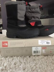 Brand new north face waterproof winter boots