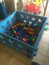 Play pen / ball pit with balls Noranda Bayswater Area Preview
