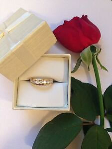 Channel Set 18ct Diamond Ring RRP $4,350 SWAP OPEN TO SUGGESTIONS Alexander Heights Wanneroo Area Preview