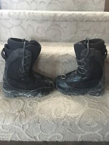 Men's/Boys size 6 Snowboard Boots