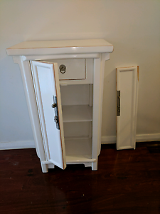 Solid wood Bali side table - broken door Albion Park Rail Shellharbour Area Preview