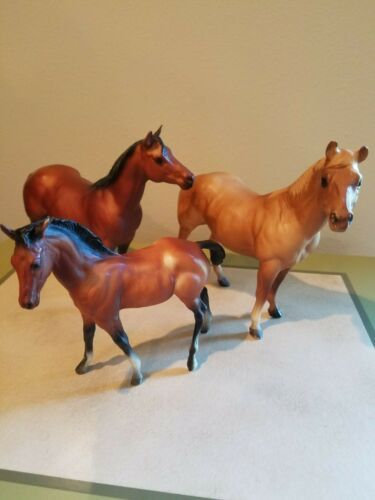 1970s Breyer Quarter Horse family, #3045, chalky mare/pearly foal?