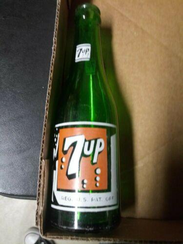 Excellent late 1930s 7 bubble 7up soda pop bottle diamond on back Iowa Company