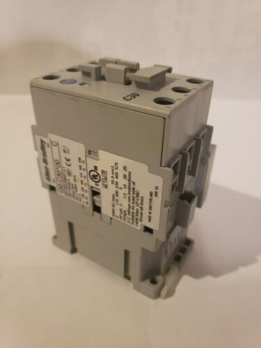 ALLEN-BRADLEY 100-C30*00 CONTACTOR, 65 AMPS, WITH 100-S AUX. CONTACT, 120V COIL
