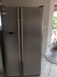 LG fridge - beautiful condition Grange Charles Sturt Area Preview