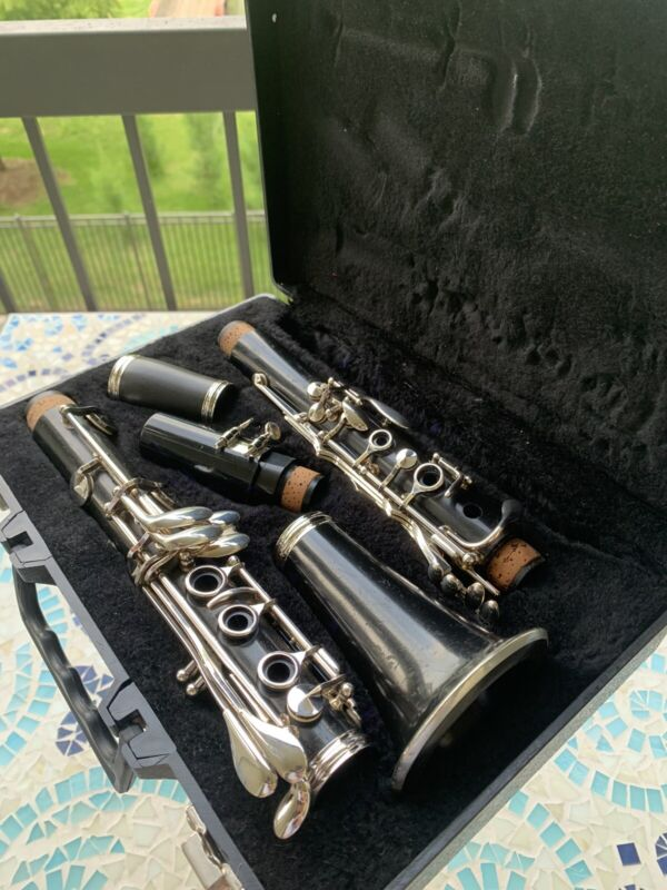 Buffet E11 Wood Clarinet w/ Case; Pro Vandoren 5RV Lyre Mouthpiece; Please Read!