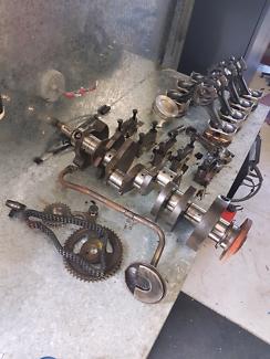 Holden 308 crank pistons oil pickup main caps timing chain