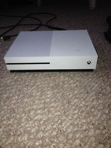 Looking to sell my Xbox one s