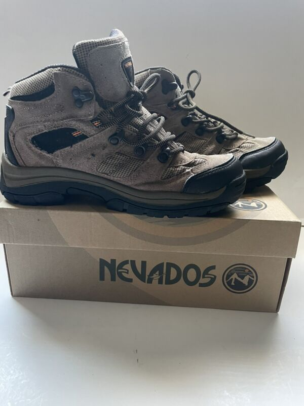 6.5 Youth Nevados Hiking Boots Brown Size 6 1/2, V1024YEXO