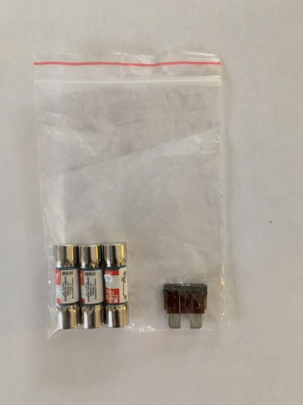 EMERGENCY FUSE KIT FOR GENERAC 073590A & 0D7178T  5 A  & 7.5A   SHIPS FAST!