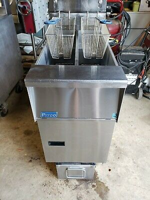 Pitco Sfsg14t --twin Propane Fryer With Built In Filter