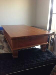 COFFEE  TABLE = HIGH QUALITY WOOD = NEAR NEW