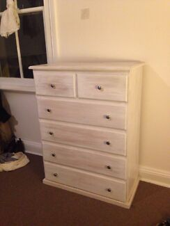 Chest of drawers Cooks Hill Newcastle Area Preview