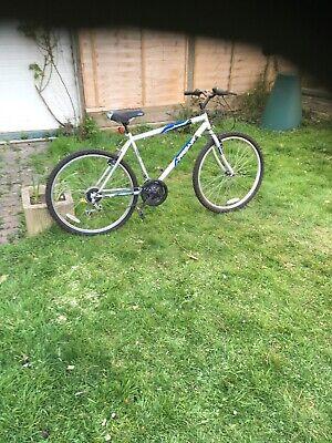 "Mountain Bike, 18 "" frame, comfortable saddle, fat tyres, 18 gears"