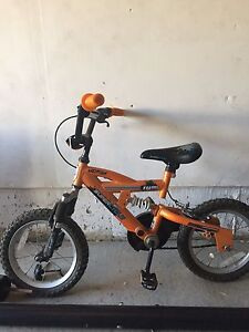 Bicycle for boys 16 in with training wheels